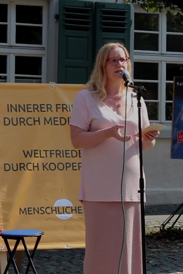 Spirituelle Praxis, Wissenschaft und politische Führung - Dr Sabina Kramp